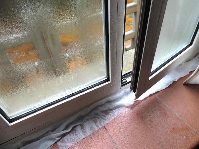 I nostri consigli sulla manutenzione e scelta degli infissi e serramenti - Condensa finestre alluminio ...