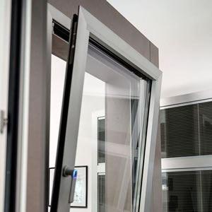 Vendita e produzione infissi in alluminio roma e serramenti for Prezzi finestre alluminio