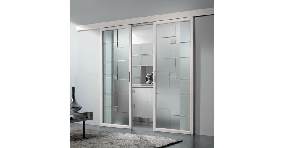 Porte scorrevoli in vetro per cucina idea creativa della - Porte in legno e vetro per interni ...