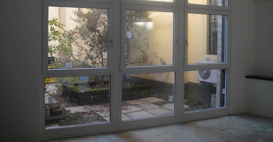 Casa moderna roma italy vetrate in pvc - Allart finestre porte ...
